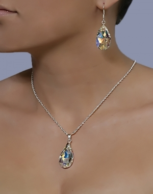 Колие с кристал Swarovski Капка (Pear-shaped) 28 мм, синджир